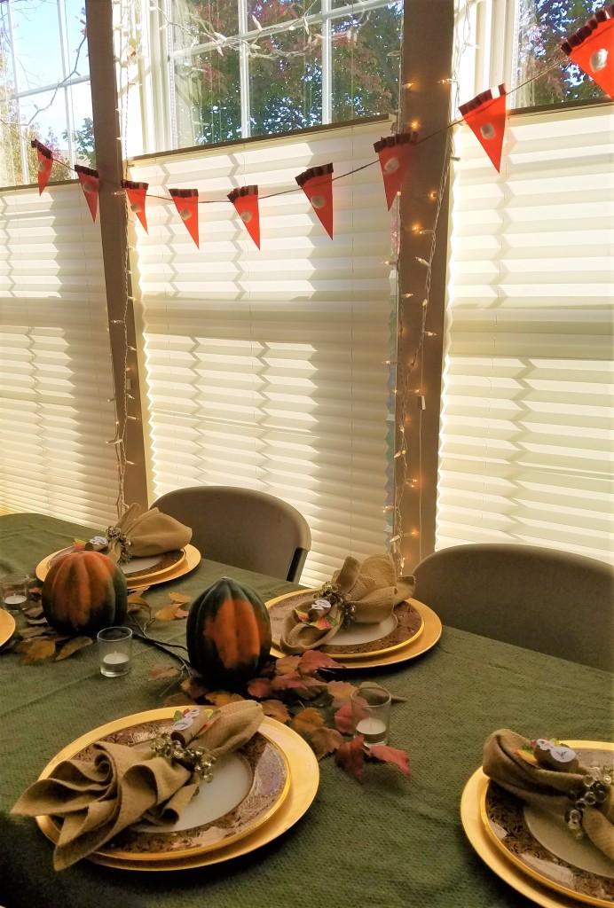 Friendsgiving Table and Pumpkin Pie Banner